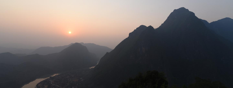 Tramonto, Laos