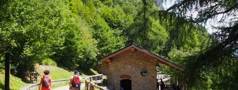 03 Die Selbstversorgerhütte Baita Segala