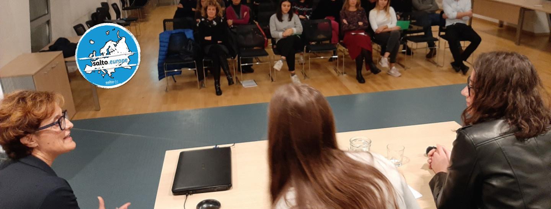 Emanuela Rossini parla ai giovani della Consulta di Pergine Valsugana