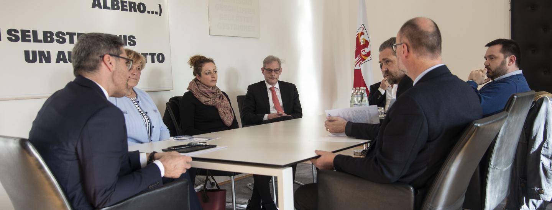KVW Vorstand mit LH Arno Kompatscher