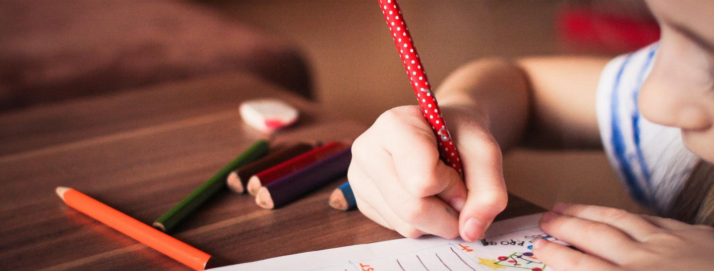 Mädchen - Hausaufgaben