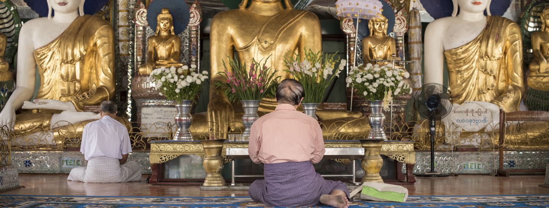 Fedele alla Shwedegon Pagoda