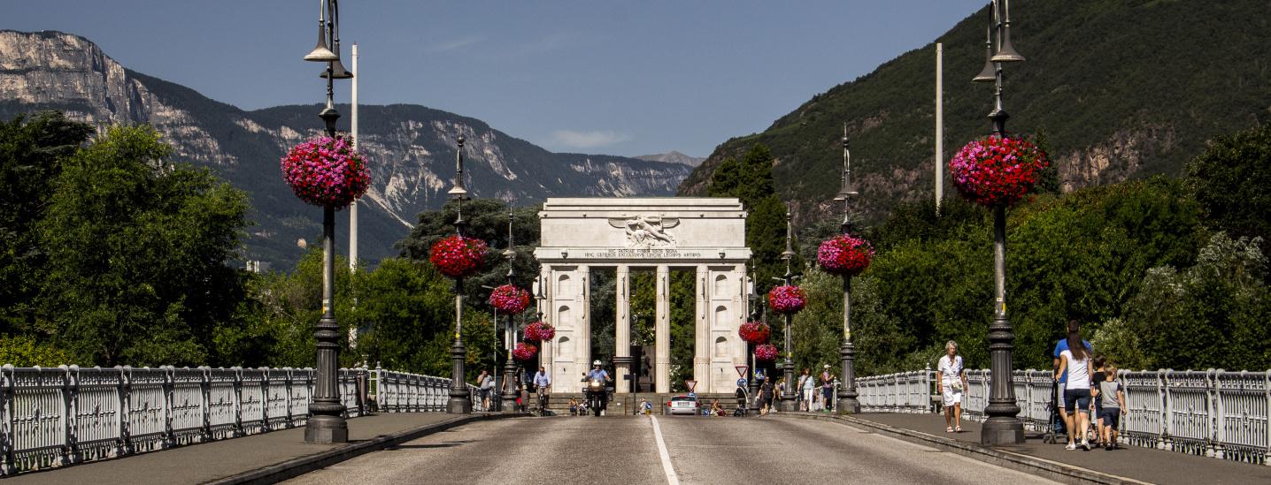 Siegesdenkmal/Talferbrücke