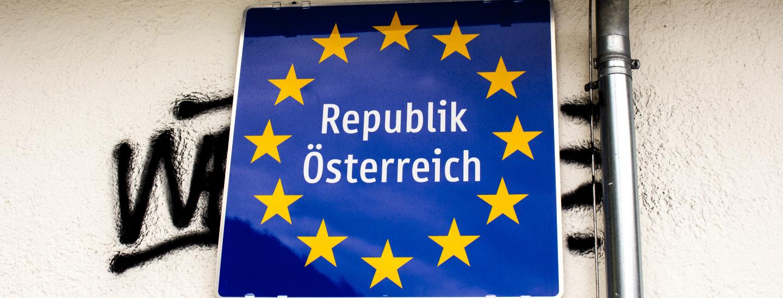 "Tafel ""Republik Österreich"""