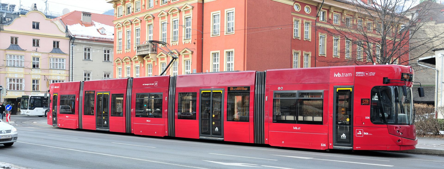 innsbruck_tram_326_on_salurner_strasse_in_2012.jpg