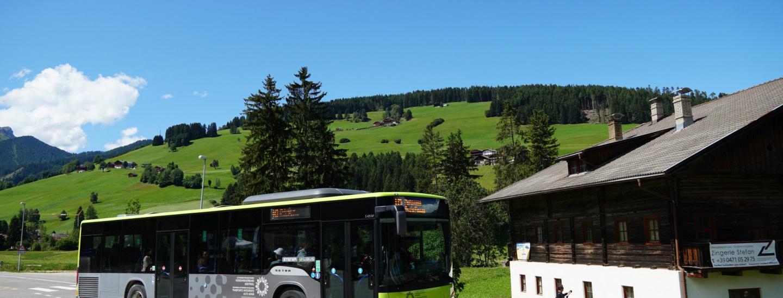 Linienbus zum Pragser Wildsee