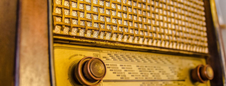 radio-2704963_1920.jpg