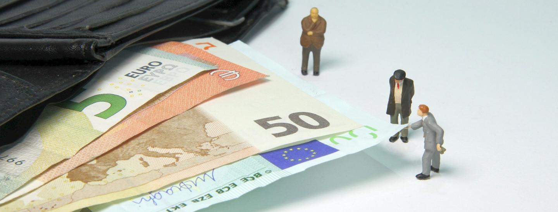 tax-office-4007153_1920.jpg