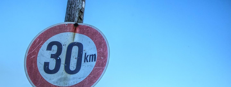 segnale stradale 30 ora