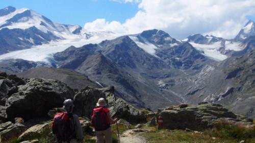 Vor der Martellerhütte: Cevedale und Königspitze
