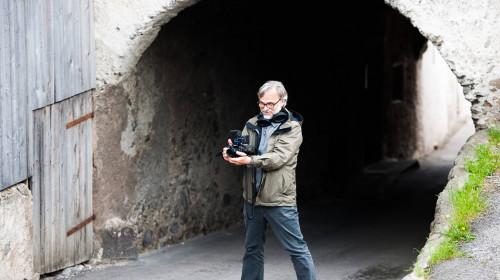Alexander Schiebel mit Kamera