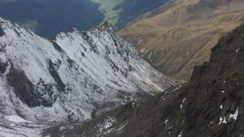 Karlesjoch mit Blick auf Langtaufers