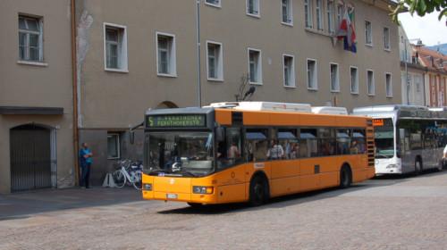 bus_sasa_metano_idrogeno_piazza_domenicani.jpg