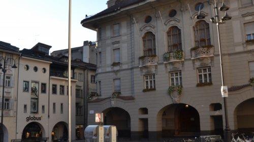 Comune, Bolzano, piazza, municipio