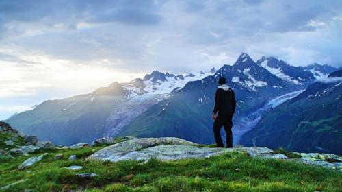 escursionista_in_montagna.jpg