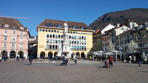 Bolzano, piazza Walther, centro, capoluogo