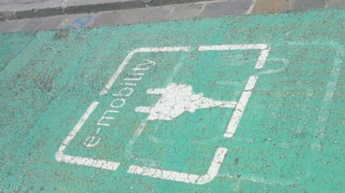 auto elettrica e-mobility