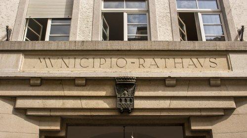 Rathaus Meran Logo