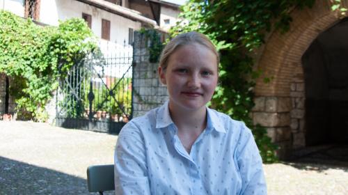 Brachte ihre Unzufriedenheit über das Verhalten des Gemeindeausschusses von Margreid offen zum Ausdruck; Lea Casal, junge Gemeinderätin aus Margreid