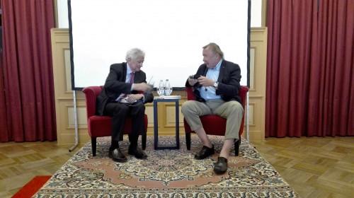 Manfred Osten und Peter Sloterdijk im Spiegelsaal des Grand Hotel