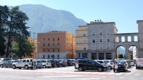 piazza_della_vittoria_siegesplatz_bolzano_bozen.jpg