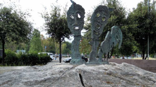 roma_giuliano-dalmata_-_monumento_vittime_delle_foibe.jpg