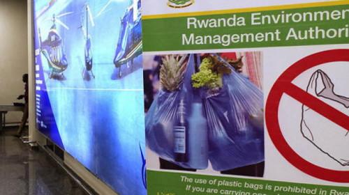 ruanda-plastik.jpg