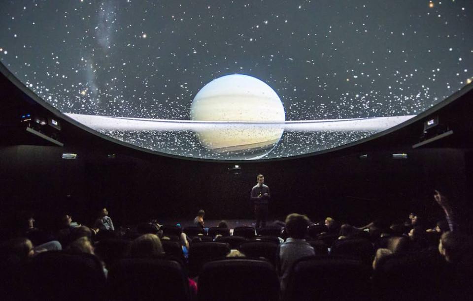 David Gruber im Planetarium Gummer