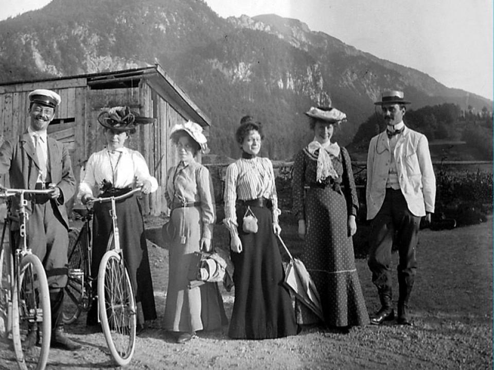 Kochel,1902. Von links: Wassily Kandinsky und Gabriele Münter, von rechts: Carl Palme und Hedwig Fröhner