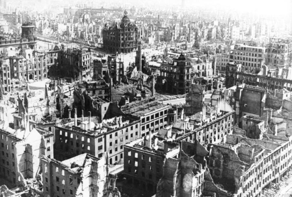 Dresden 1945, zerstörte Innenstadt