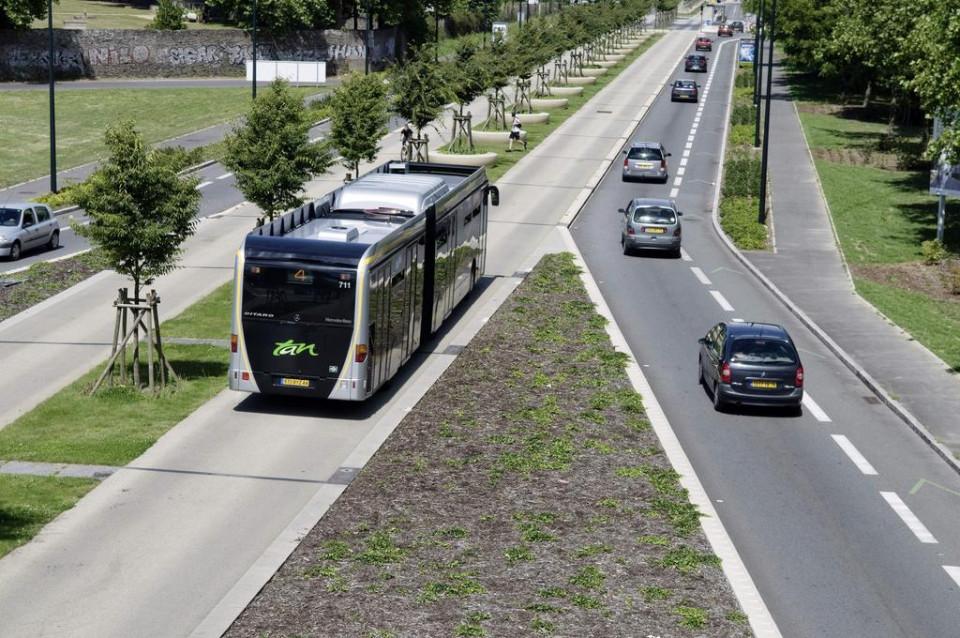 busway_nantes_mercedes_citaro_cng.jpg