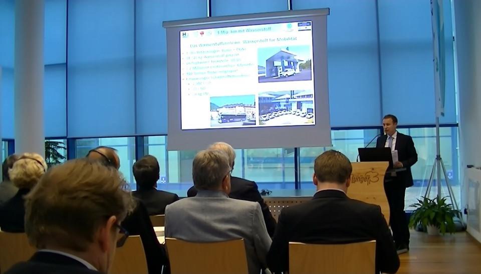 conferenza_stampa_idrogeno_18052017_theiner.jpg
