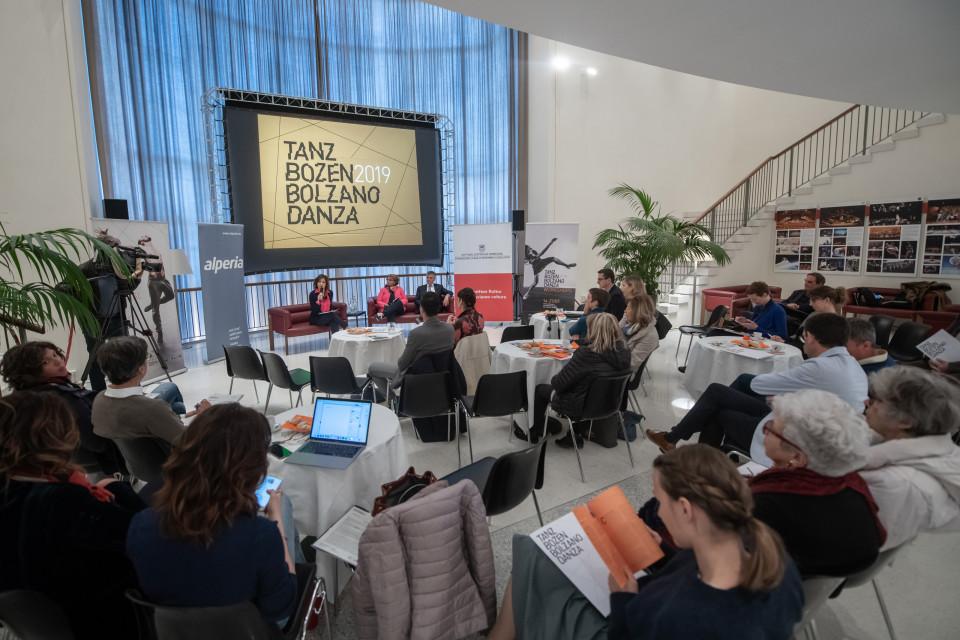 conferenzastampa_bolzanodanza4.jpg