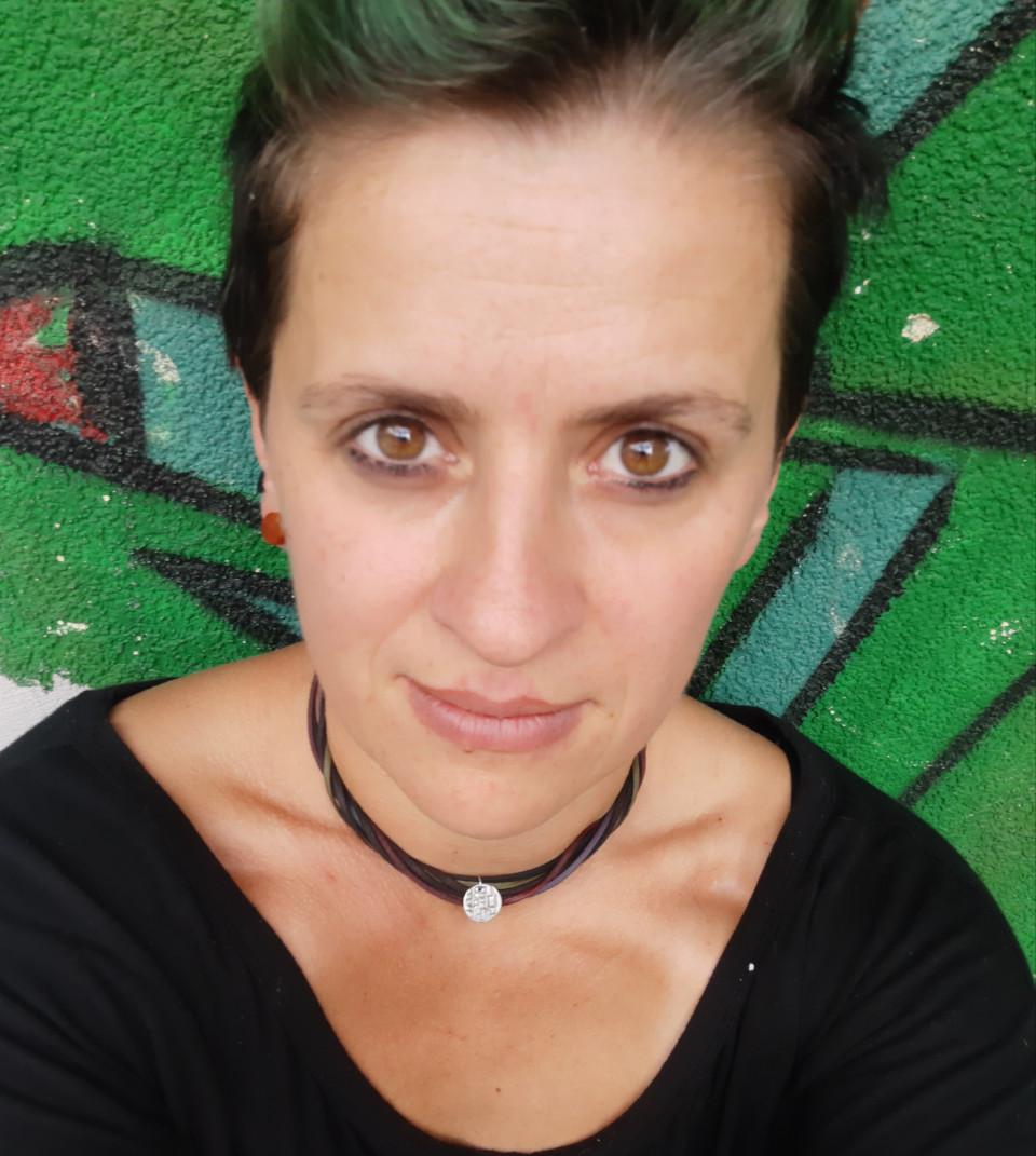 Eve Spechtenhauser - JUZE