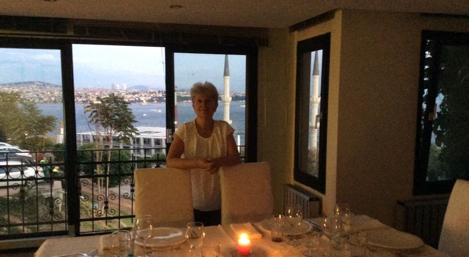 Oktavia Brugger in ihrer Wohnung in Istanbul