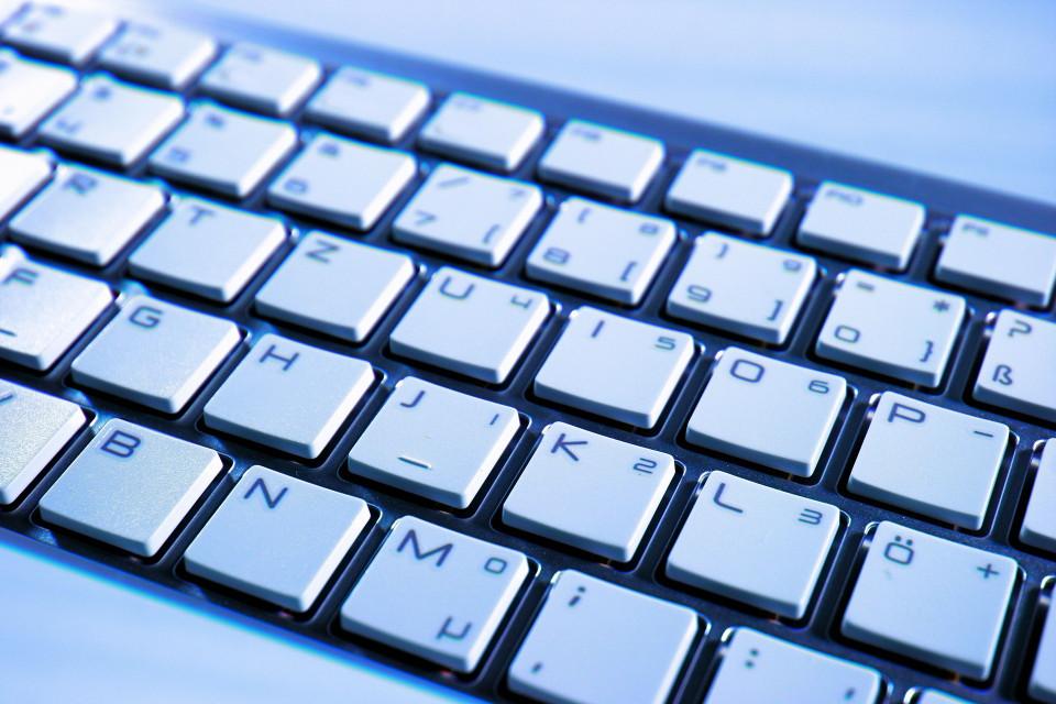 keyboard-70506_1920.jpg