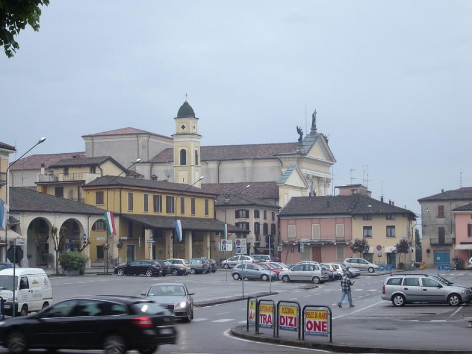 pontevico_-_piazza_mazzini_.jpg