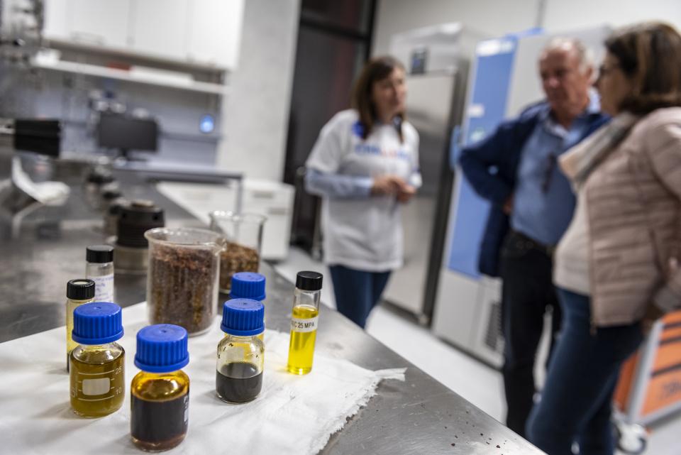 Einblick in die Labore im NOI Techpark