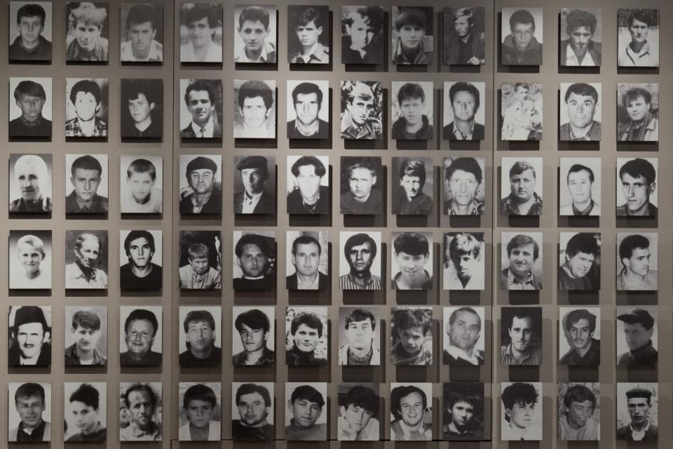 srebrenica-volti-vittime.jpg