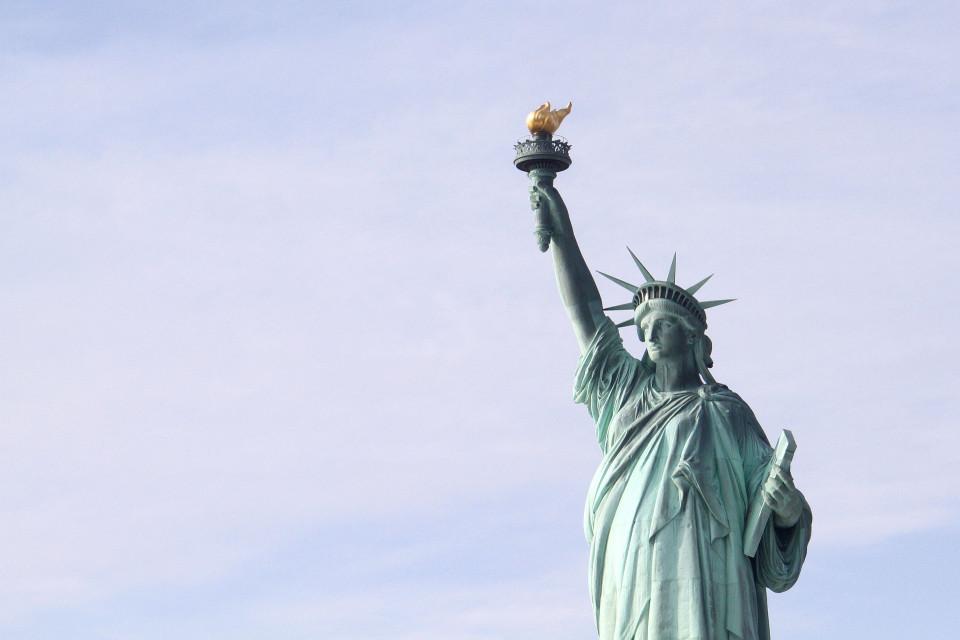 statue-of-liberty-2577933_1920.jpg