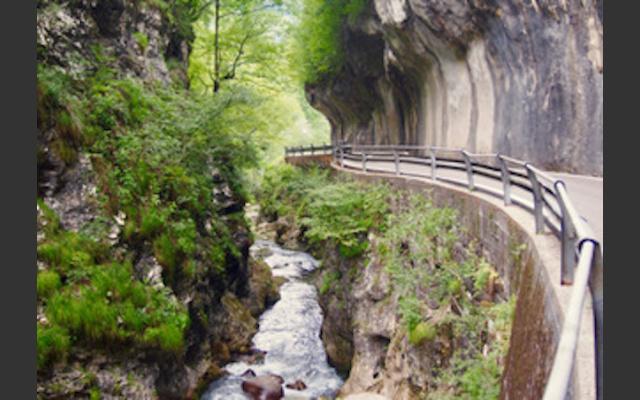 Abenteuerliche Anfahrt in die Val Noana