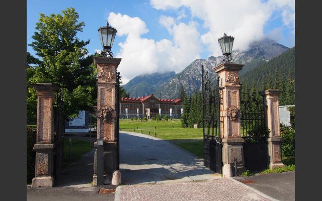 Abfahrt mit Bus  in Toblach am Naturparkhaus