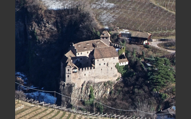 Beginn der Wanderung bei Burg Runkelstein
