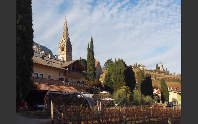 Tramin mit Dorf- und Kastelatzkirche