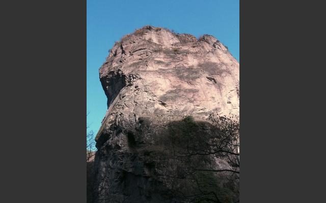 Auf diesem Felsen steht das Kirchlein