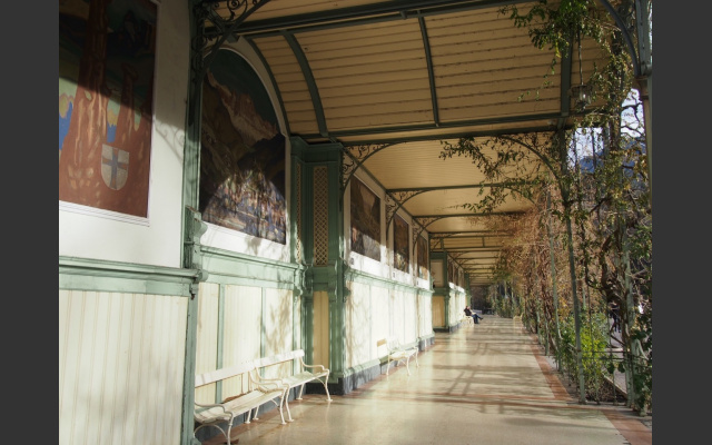 Die geschützte Wandelhalle auf der Winterpromenade