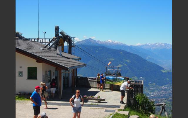 Einmaliger Blick von der Bergstation der Taserbahn