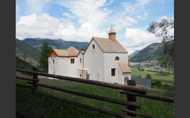 Das Martinskirchlein mit dem neuen Schindeldach