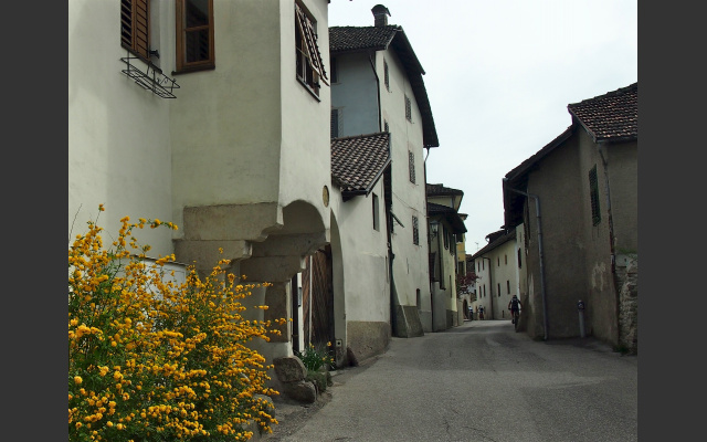 Dorfgasse in Girlan