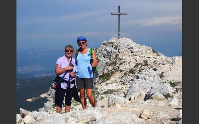 Gipfelfoto mit Gipfelkreuz